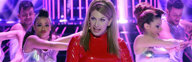Arturo Valls imita a Britney Spears en la final de 'Tu cara me suena'.