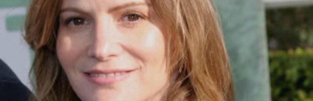 Jennifer Jason Leigh, la madre de Emily en 'Revenge'.