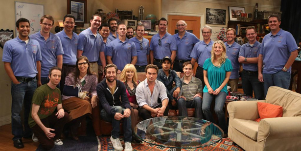 El elenco de 'The Big Bang Theory' con los científicos de la NASA