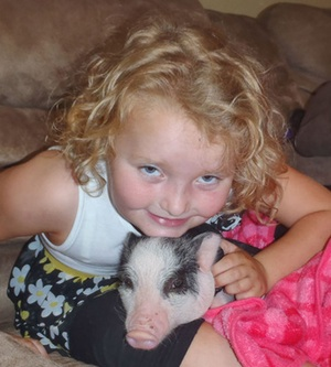 Honey Boo Boo con su cerdito