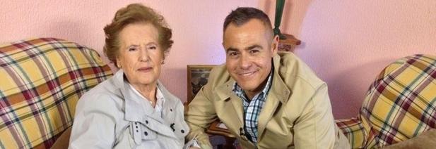 Jordi González con la restauradora Cecilia Giménez