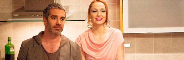 Adriá Collado y Cristina Castaño en una escena de la sexta temporada de 'La que se avecina'