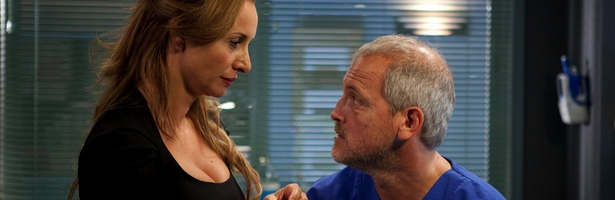 Mar Regueras y Jordi Rebellón en la última temporada de 'Hospital Central'