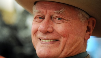Larry Hagman, JR en 'Dallas' de TNT