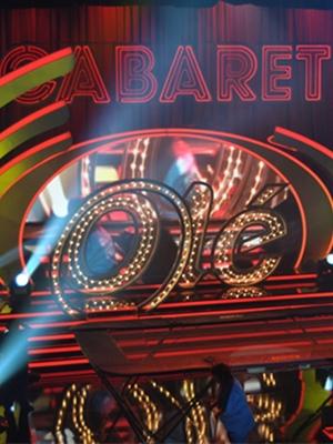 Parte del escenario de 'Cabaret Olé'