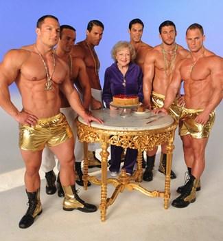 Betty White celebrando su 90 cumpleaños