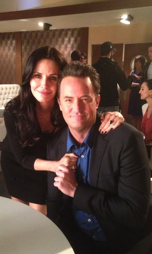 Courteney Cox y Matthew Perry en 'Go On'