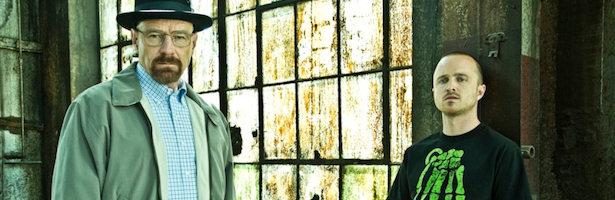 Bryan Cranston y Aaron Paul en una imagen promocional de 'Breaking Bad'