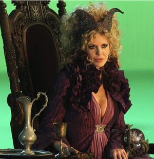 La villana Maléfica, interpretada por Kristin Bauer, volverá en la ...