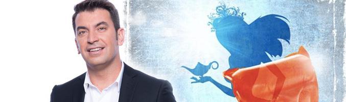 Arturo Valls sobre el cartel anunciador de los Carnavales de LPGC