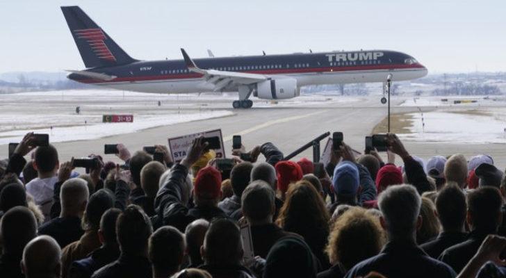 donald trump ofrece su avion a los famosos
