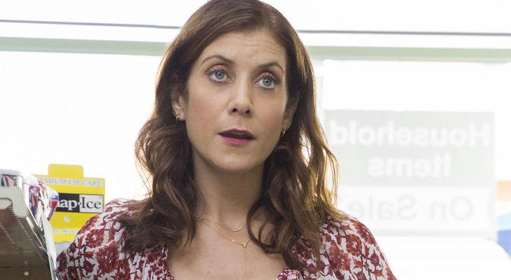Kate Walsh demuestra su registro más dramático interpretando a la madre de Hannah Baker