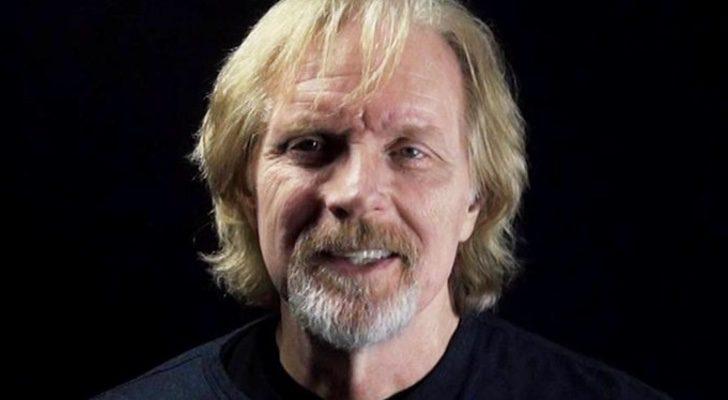 Randy Scheller, voz de 'Fear The Walking Dead' muere en un accidente de paracaídas.