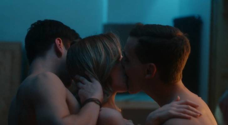 Carla, Christian y Polo forman un trío amoroso en 'Élite'