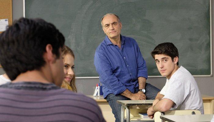 Merlí proclama la libertad entre sus alumnos