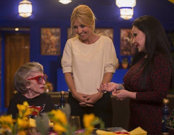 Las mejores fotos de 'Cena con mamá', con sus presentadores e invitados