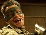 """""""Kick-Ass 2: Con un par"""": La loca valentía de Kick-Ass inspira a una oleada de nuevos defensores del bien, así que el particular héroe decide unirse a esta patrulla capitaneada por el Coronel Barras y Estrellas"""
