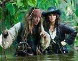 """Nuevas aventuras del capitán Jack Sparrow en """"Piratas del Caribe: En mareas misteriosas"""", donde tratará de encontrar la Fuente de la Juventud, topándose con el mismísimo Barba Negra y con un viejo amor, Angélica"""