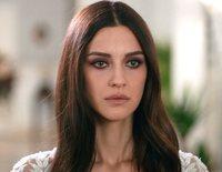 'Fugitiva' sigue los pasos de Nefes (Irem Helvacioglu), una mujer que fue vendida a un hombre rico durante su juventud y cuyo mayor sueño es ser libre sin ser perseguida