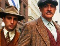 """Un agente federal trata de dar caza a Al Capone, pero tendrá que cometer ilegalidades junto a sus hombres de confianza: """"Los intocables de Eliot Ness"""""""