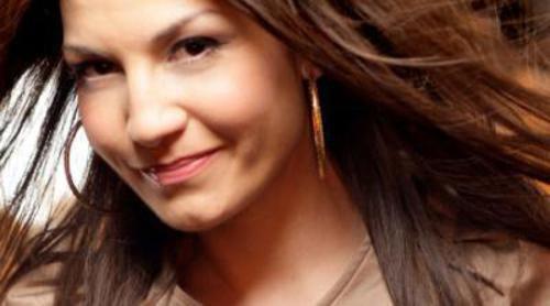 "Jelena Tomasevic feat. Bora Dugic: ""Oro"""