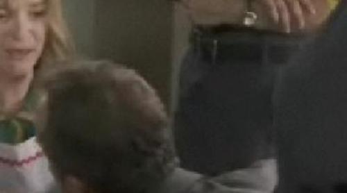 El Doctor Mateo cura a Elena