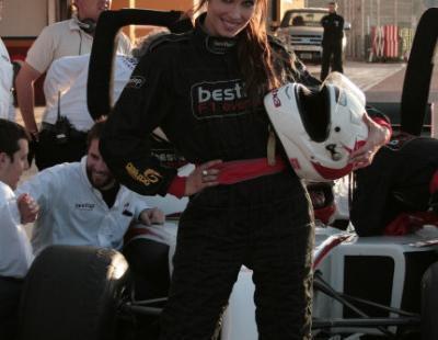 Pilar Rubio y Usun Yoon se suben a un Fórmula 1