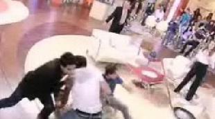 Dos invitados se enzarzan en una pelea en 'Tal cual lo contamos'