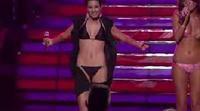 """American Idol: Bikini Girl y Kara DioGuardi: """"Vision of Love"""""""