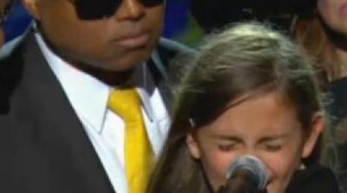 Paris, la hija de Michael Jackson, rompe a llorar en el funeral