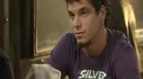 Problemas de faldas para Riqui en 'Doctor Mateo'