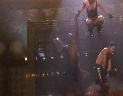 Caída de Jennifer Lopez en los AMA