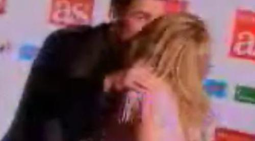 Berta Collado besa a Cristiano Ronaldo