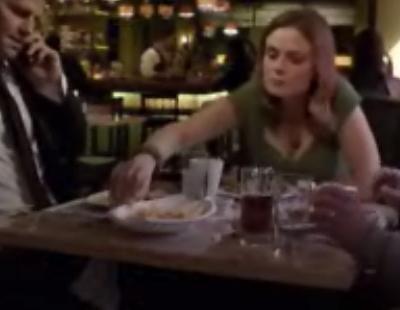 El abuelo de Booth revela a Brennan el secreto familiar