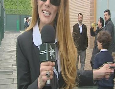Paula Vázquez se enfunda el traje y las gafas de 'CQC'