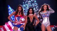Selena Gomez presume de escote en el desfile de Victoria Secret 2015