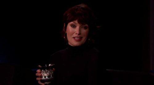 Lena Headey, como Cersei Lannister, reproduciendo insultos de 'The Bachelor' en 'Jimmy Kimmel Live'