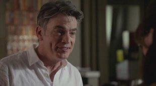Así fue recibido el padre de Schmidt, Gavin (Peter Gallagher), en 'New Girl'
