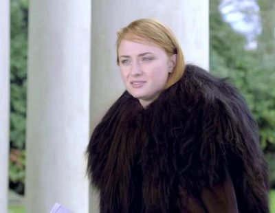 "Sophie Turner, Sansa Stark en 'Juego de Tronos', recita ""Hello"" de Adele caracterizada como Jon Nieve"