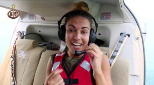 Lara Álvarez saluda en el ensayo del salto del helicóptero de 'Supervivientes 2016'