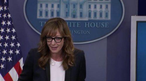 Allison Janney recupera su papel de C.J. Cregg en la Casa Blanca por sorpresa