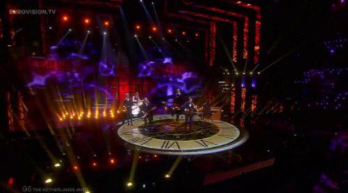 """Actuación de Holanda, Douwe Bob """"Slow Down"""" en Eurovisión 2016"""