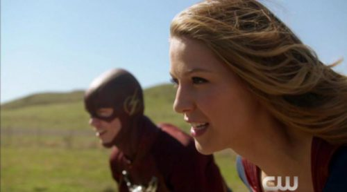 The CW presume de superhéroes y reúne a todos ellos en un tráiler: 'Arrow', ' The Flash', 'Legends of Tomorrow' y 'Supergirl'