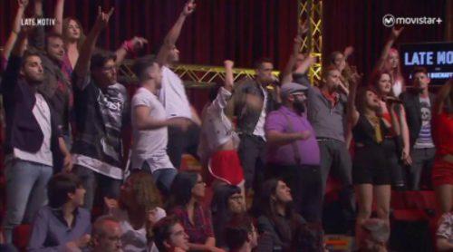 Los concursantes de 'AcapelA' sorprenden, con sus voces, a Buenafuente en 'Late motiv'