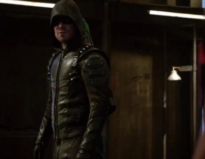 El nuevo equipo de Oliver, protagonista del primer tráiler de la quinta temporada de 'Arrow'
