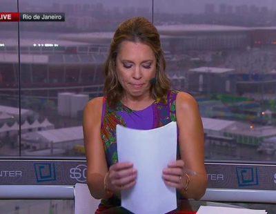 La presentadora Hannah Storm no pudo contener las lágrimas al anunciar la muerte del famoso periodista John Saunders