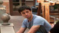 El cameo de Enrique Iglesias en 'Dos hombres y medio'