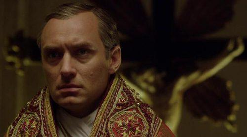 Javier Cámara y Jude Law en el tráiler de 'The Young Pope'