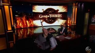 Kristin Chenoweth canta la sintonía de 'Juego de Tronos' en 'Jimmy Kimmel Live'
