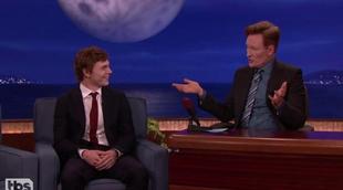 Evan Peters confiesa su momento más vergonzoso en el rodaje de 'American Horror Story'